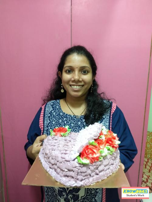 Online Course in Thane For Birthday Cakes + Fondant Cake : Baking & Icing Video Course (Pre-recorded) in Hindi