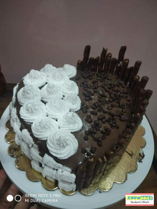 Online Course in Indore For Birthday Cakes + Fondant Cake : Baking & Icing Video Course (Pre-recorded) in Hindi