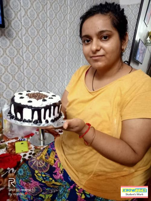 Online Course in Agra For Birthday Cakes + Fondant Cake : Baking & Icing Video Course (Pre-recorded) in Hindi