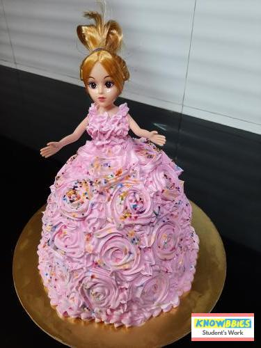 Online Course in Vasai For Birthday Cakes + Fondant Cake : Baking & Icing Video Course (Pre-recorded) in Hindi